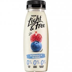 Yogur desnatado líquido de arándanos y granada Danone Light&Free 245 g.