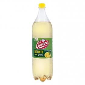 Distinto con vino de verdejo y limón La Casera 1,5 l.