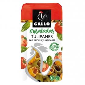 Tulipanes con tomate y espinacas