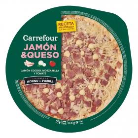 Pizza fresca de jamón y queso