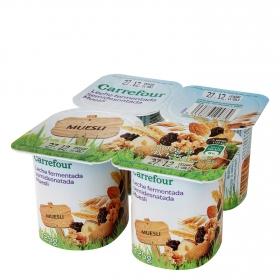 Yogur desnatado con muesli Carrefour pack de 4 unidades de 125 g.