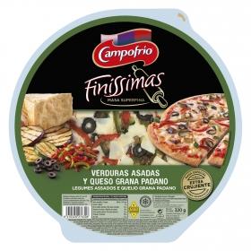 Pizza finissima de verduras asadas y queso grana padano