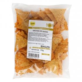 Nachos de queso en triángulos
