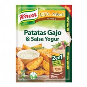 Sazonador de patatas gajo y salsa de yogur
