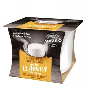 Queso fresco tradicional tres leches moldeado a mano Angulo 250 g.