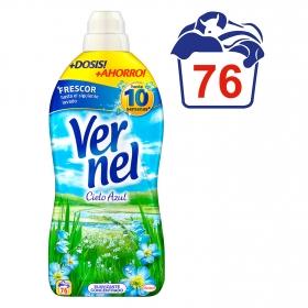 Suavizante concentrado cielo azul con perlas perfumandas Vernel 76 lavados.