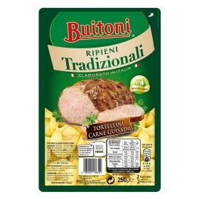 Tortellini fresco con carne guisada