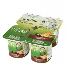 Yogur bífidus desnatado con trozos de muesli Carrefour pack 4 unidades de 125 g.