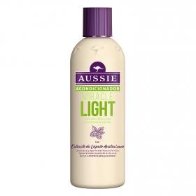 Acondicionador para cabellos con raíces grasas y puntas secas Aussie 250 ml.