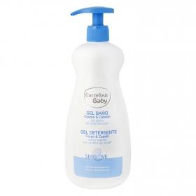 Gel baño Sensitive para cuerpo y cabello Carrefour Baby 750 ml.