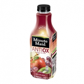 Zumo antioxidante de frutas de manzana, uva y kiwi
