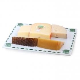 Tabla de quesos surtidos nacionales D.O.: tronchón, ibérico, Villuercas, Oveja, y Mahón, El Consorcio de Quesos 500 g