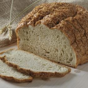 Pan con fibra rebanado