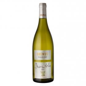 Vino húngaro Mandolas seco Tokaji 75 cl.