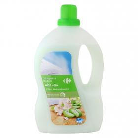 Detergente aloe vera y flores de almendras líquido Carrefour 40 lavados.
