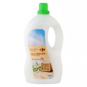 Detergente líquido con jabón de Marsella y flor de naranjo Carrefour 66 lavados.