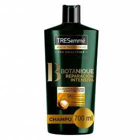 Champú Botanique Nutre & Fortalece Tresemmé 700 ml.