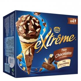 Conos con helado de tres chocolates con espitrales Nestlé Helados Extrême 4 ud.