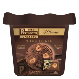 Helado italiano de chocolate con avellana