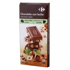 Chocolate con leche con avellanas enteras Carrefour 200 g.