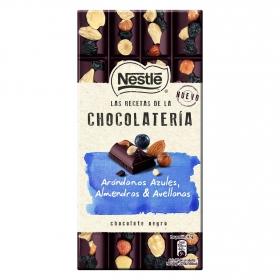Chocolate negro con arándanos, avellana y almendras