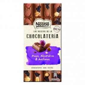 Chocolate con leche, pasas, almendras y avellanas
