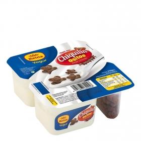 Yogur azucarado natural con galletas de cereales de chocolate Reina 286 g.
