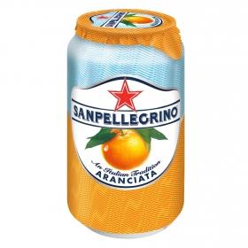 Bebida italiana Aranciata de naranja