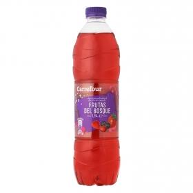Agua mineral Carrefour con zumo de frutas del bosque 1,5 l.