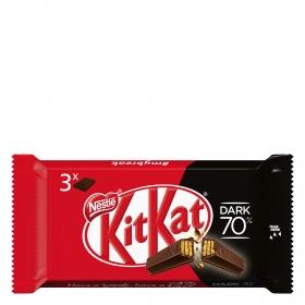 Barrita de galleta crujiente cubierta de chocolate negro 70% Nestlé Kit Kat pack de 3 unidades de 41,5 g.