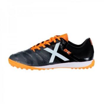 Botas y Zapatillas de futbol Multitaco