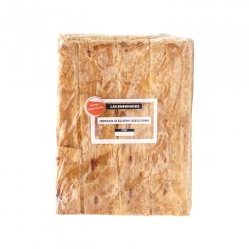 Empanada de hojaldre de salmón y queso crema 500 g