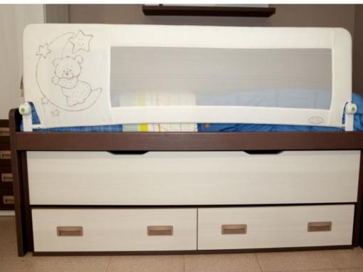 Barrera de cama nido para beb/é 180 cm Modelo osito y luna azul Barrera de seguridad.
