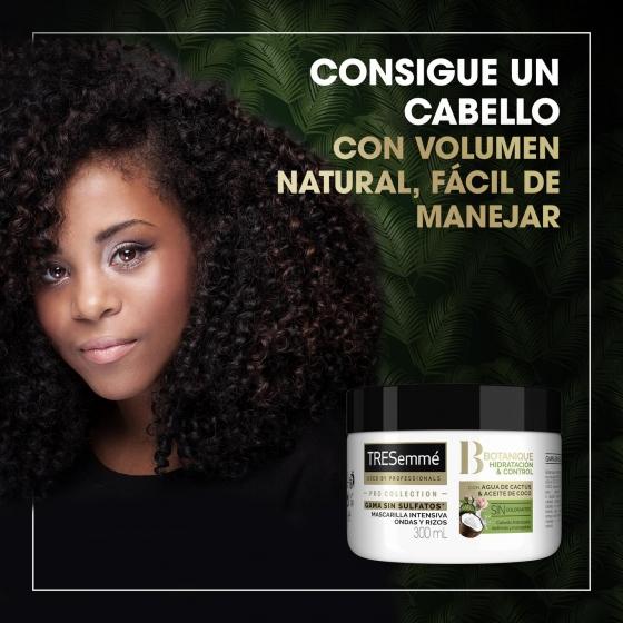 Mascarilla con agua de cactus y aceite de coco Tresemmé 300 ml. - 1