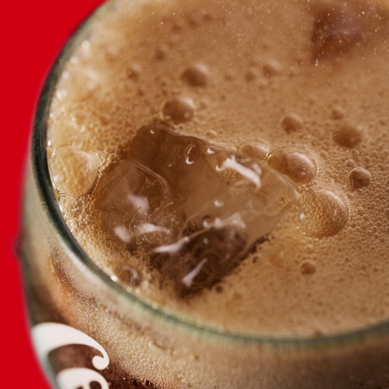 Refresco de cola Coca Cola zero sabor cereza lata 33 cl. - 1