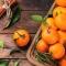 Mandarina con hoja