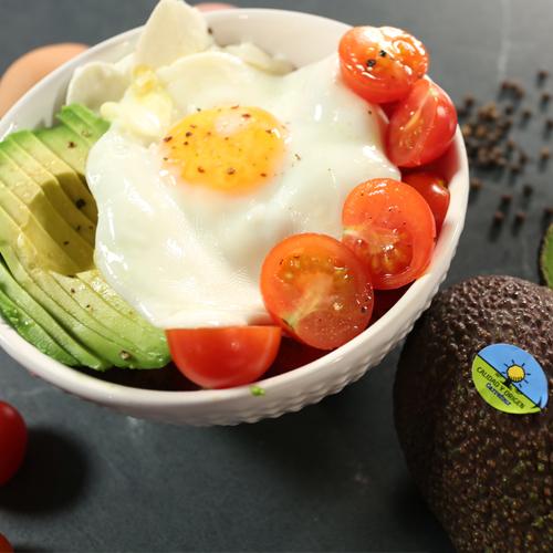Buddah Bowl con aguacate, arroz y huevo