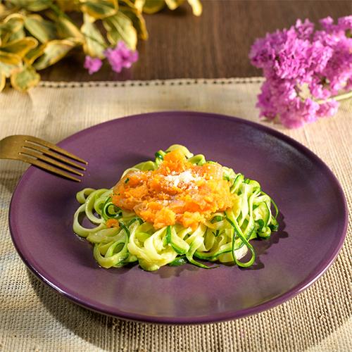 espaguetis de calabacín con boloñesa de calabaza