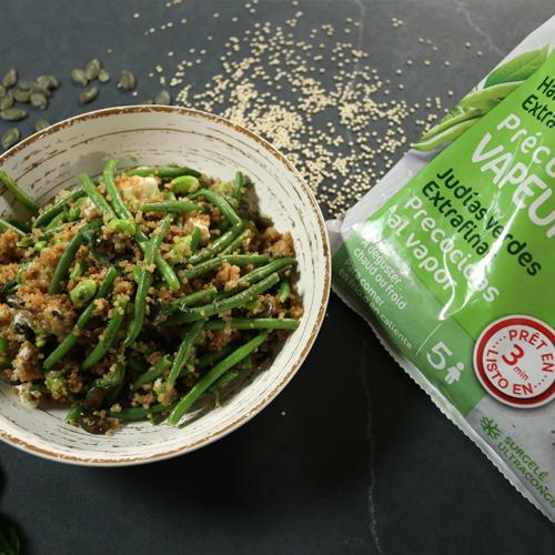 Quinoa con verdura, edamame y feta