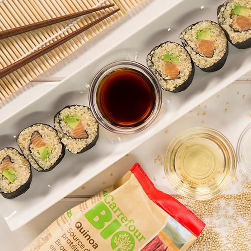 Sushi de salmón y aguacate con quinoa