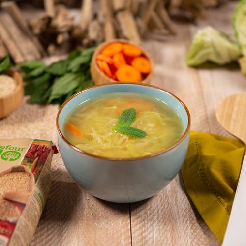 Sopa de verduras y quinoa exprés