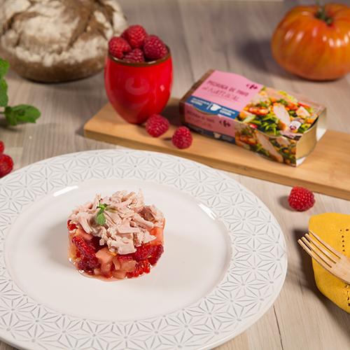 tartar de tomate, pavo y frambuesas