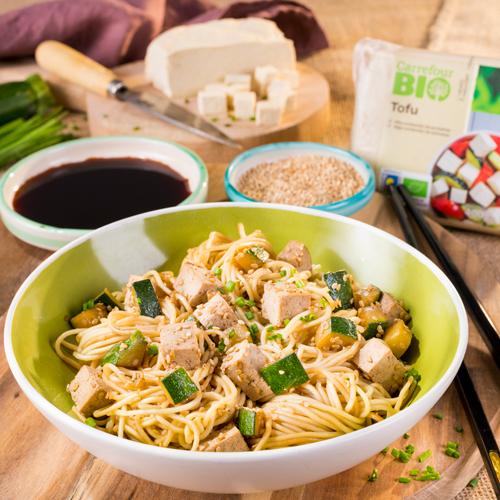 wok de calabacín y tofu
